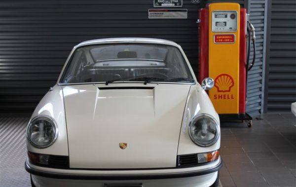 Restauro Porsche Classic 911 2,4 s